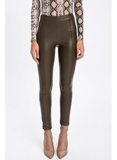 DeFacto Super Skinny Deri Görünümlü Pantolon Haki